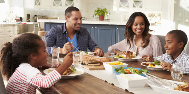With Daily Activities That Can Range From Soccer Practice To After School Band The American Family May Treat Regularly Eating Dinner Together As An